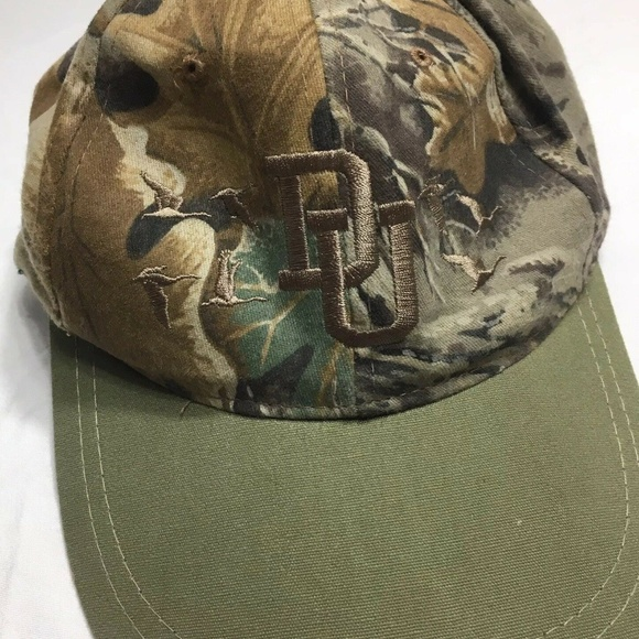 Ducks Unlimited Other - Ducks Unlimited Camouflage Mens Hat